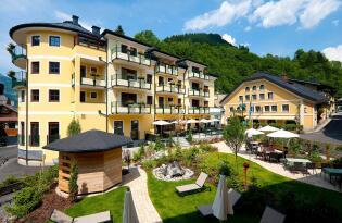 Wellnessurlaub im Salzburger Land, umgeben von der zauberhaften Bergwelt