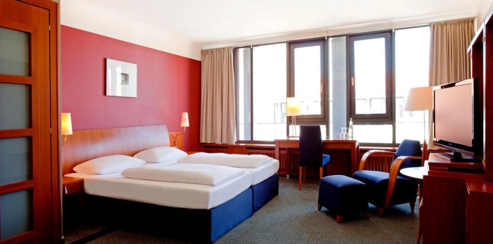 Steigenberger Hotel Sonne 10943