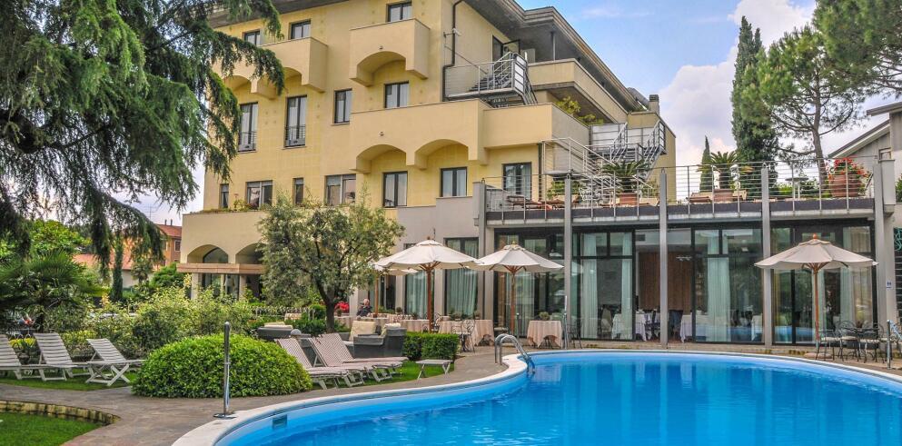 Hotel Piccola Vela 11049