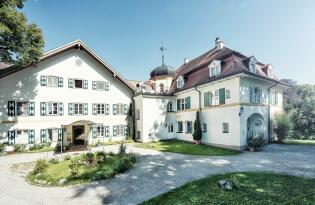 Biohotel mit Panoramablick auf die Alpen und den Starnberger See