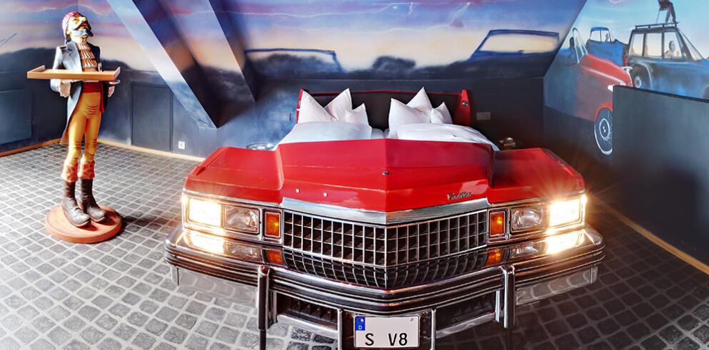V8 HOTEL 11504