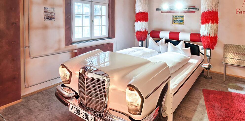 V8 HOTEL 11507