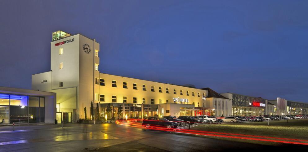 V8 HOTEL 11517