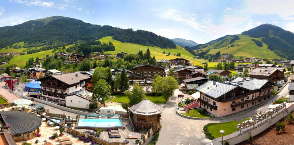 The Alpine Palace 11621
