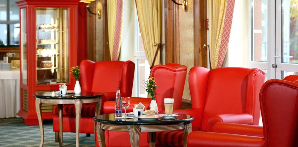 The Monarch Hotel 11992