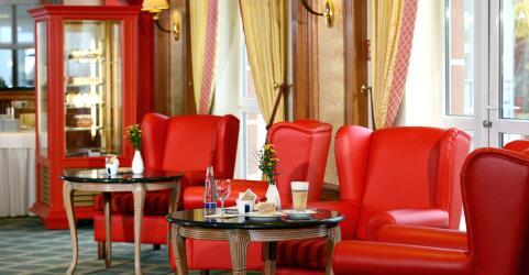 The Monarch Hotel 9