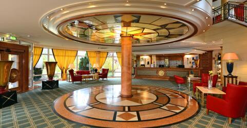 The Monarch Hotel 8