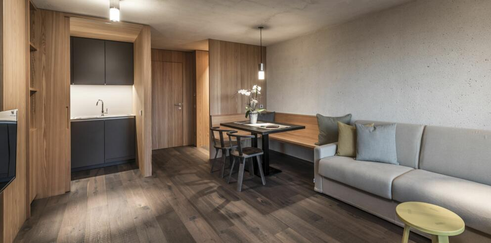 Paula Wiesinger Apartments & Suites 14073