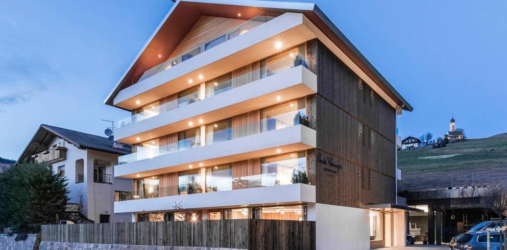 Paula Wiesinger Apartments & Suites 14092