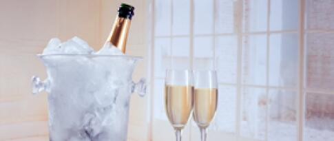 Eine Flasche Sekt (Schlumberger White Secco)