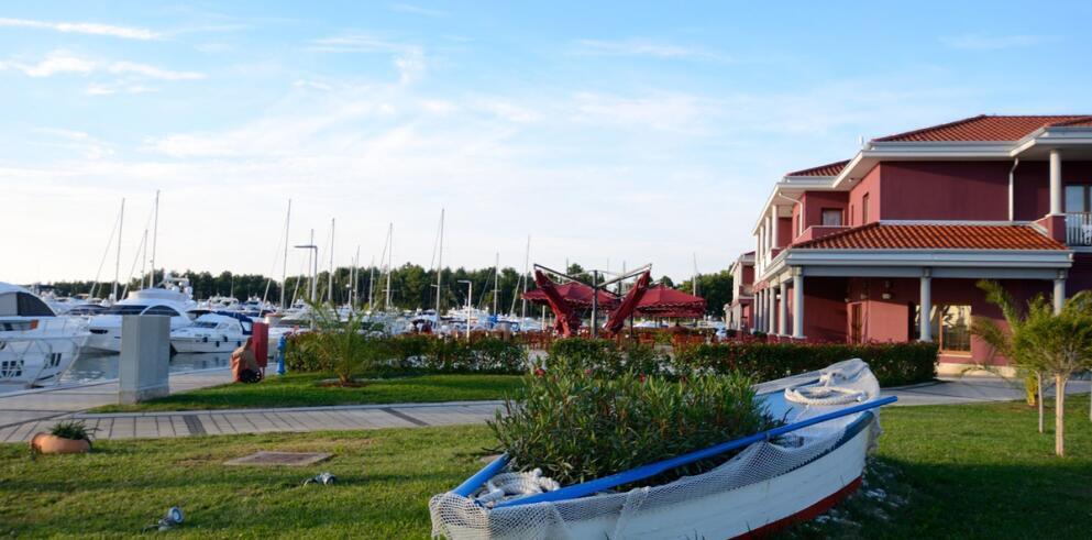 Hotel Nautica 14505