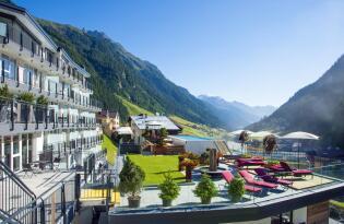 Wohlfühlmomente mit kulinarischer Raffinesse in Tiroler Bergidylle
