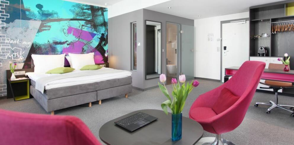 Hotel Berlin, Berlin 15002