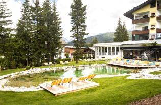 Luxuriöses Wellnessvergnügen mitten im Tiroler Alpenpanorama