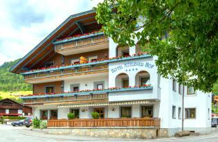 Verzauberte Naturlandschaften, Wellness und Gourmetküche in Südtirol