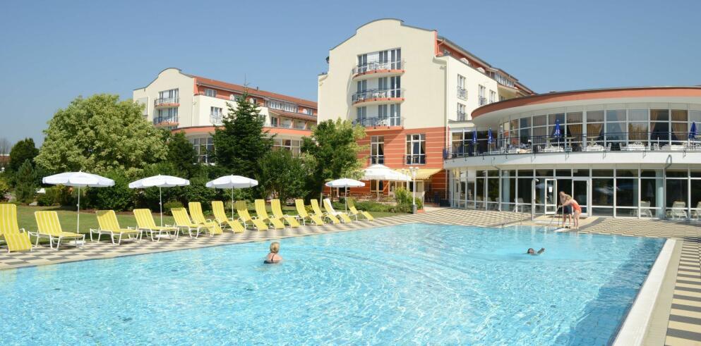 The Monarch Hotel 15631