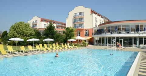 The Monarch Hotel 0