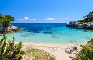 Traumurlaub am Mittelmeer mit Retro-Glamour und exklusiven Design
