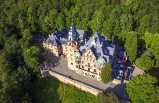 Traumurlaub im Schloss in der zauberhaften Wald- und Seenlandschaft