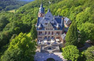 Traumurlaub im Schloss inmitten der zauberhaften Wald- & Seenlandschaft