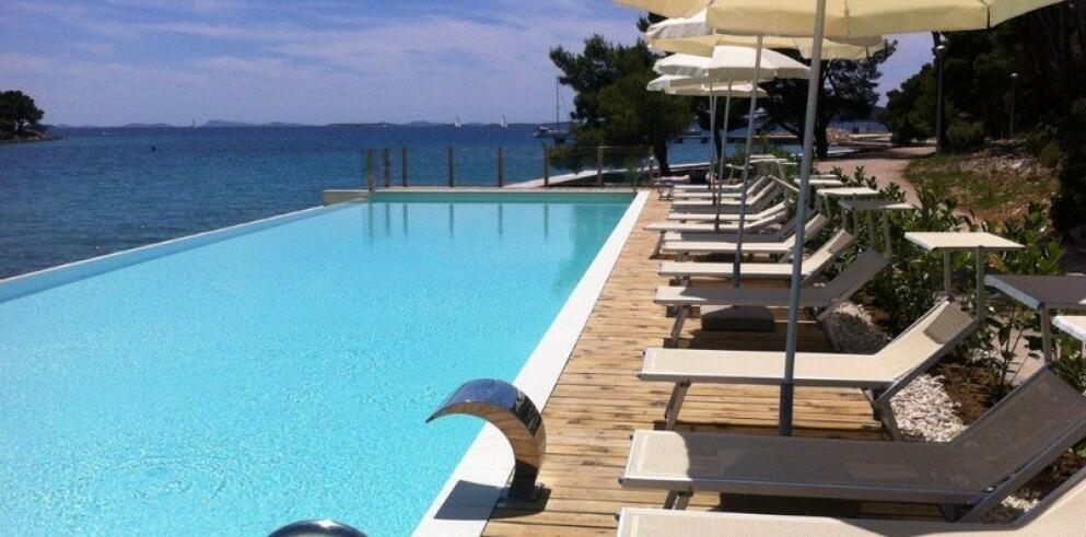 Crvena Luka Hotel & Resort 1678