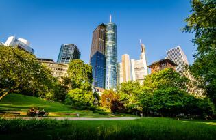 Modernes Design und entspannte Wohlfühl-Atmosphäre in der Main-Metropole