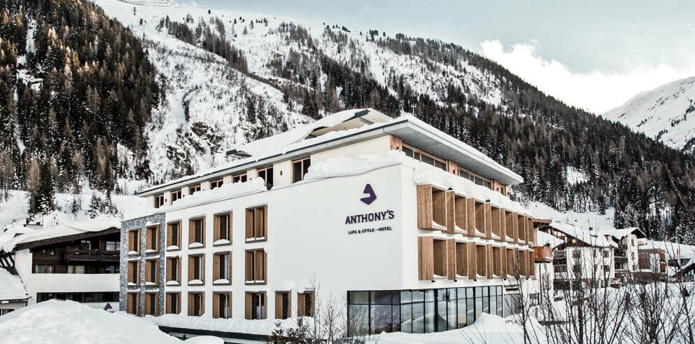 Anthony's Life & Style Hotel 17412