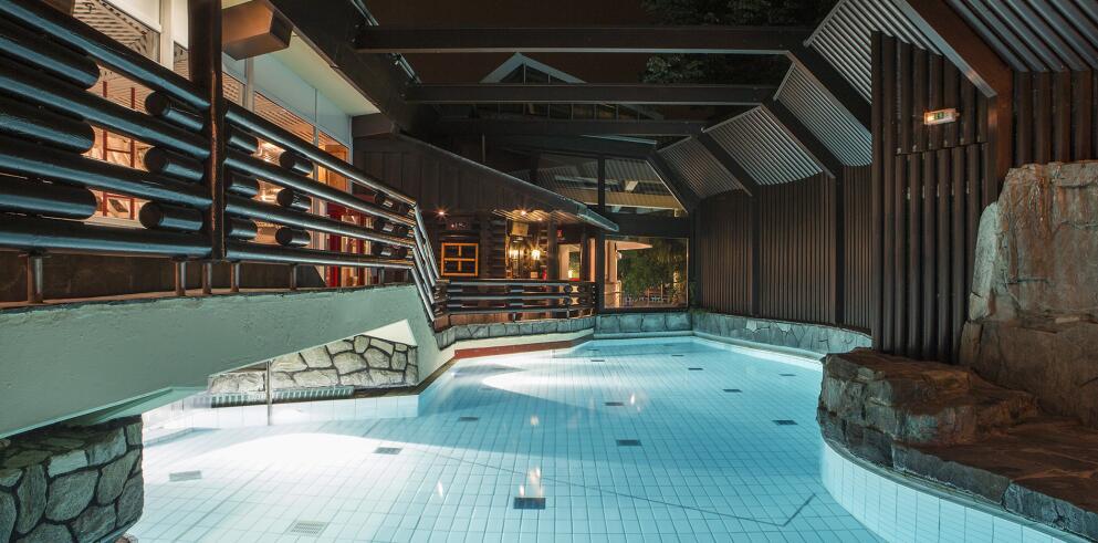 Schwimmbad Oberursel taunus therme mit mövenpick hotel frankfurt oberursel angebot