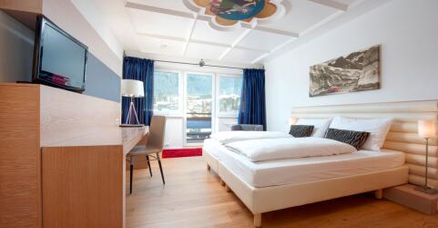 Q! Hotel Maria Theresia 3