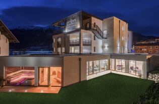 Wellnessauszeit im Designhotel in der malerischen Bergwelt Südtirols