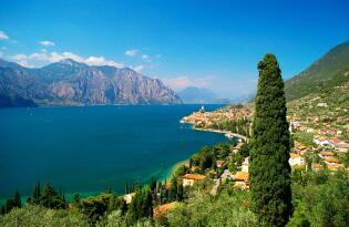 Pure Entspannung in schönster Panoramalage am Ufer des Gardasees