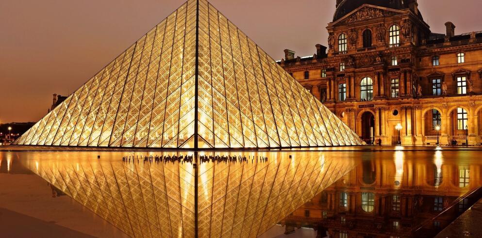 Louvre Museum 22891