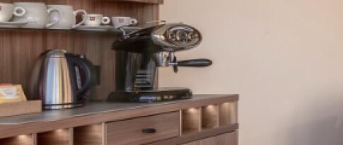 Freie Nutzung Samsung-Pad und Illy-Kaffeemaschine