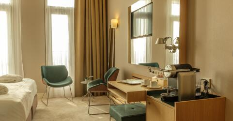 Amadi Panorama Hotel 8