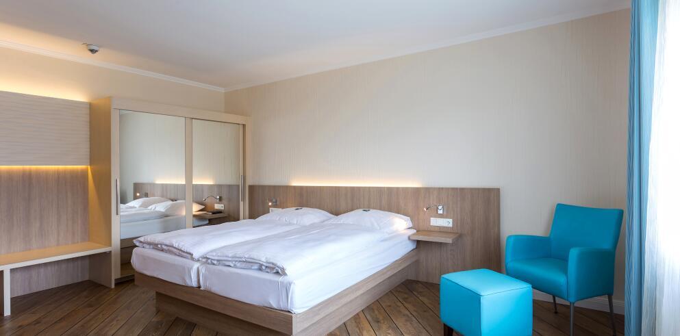 Hotel Vier Jahreszeiten L Ef Bf Bdbeck