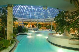 Citytrip mit Badespaß und Erholung in subtropischer Wellness-Oase