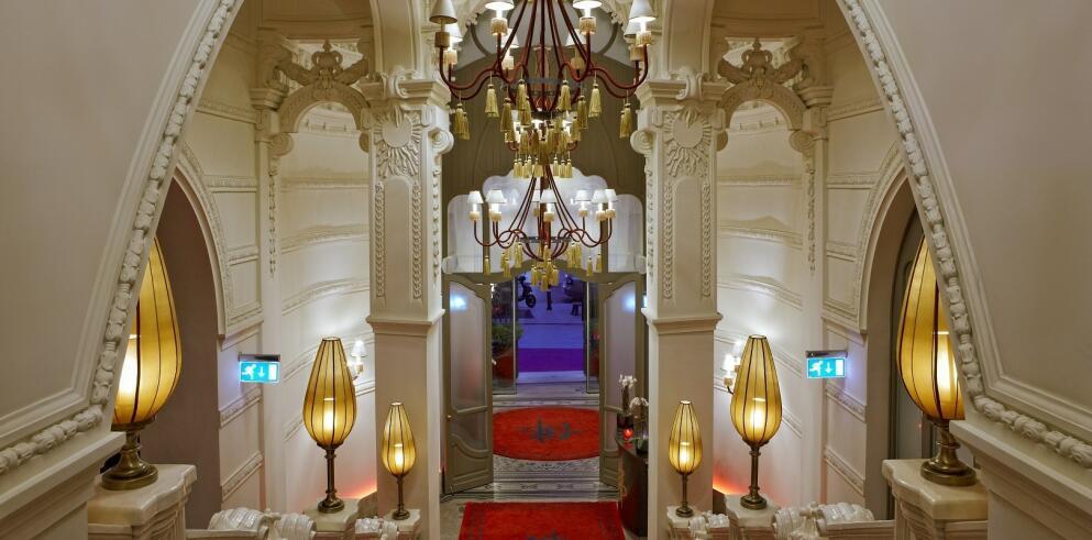 Buddha-Bar Hotel Budapest Klotild Palace 250