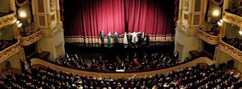 Klassik und Opern