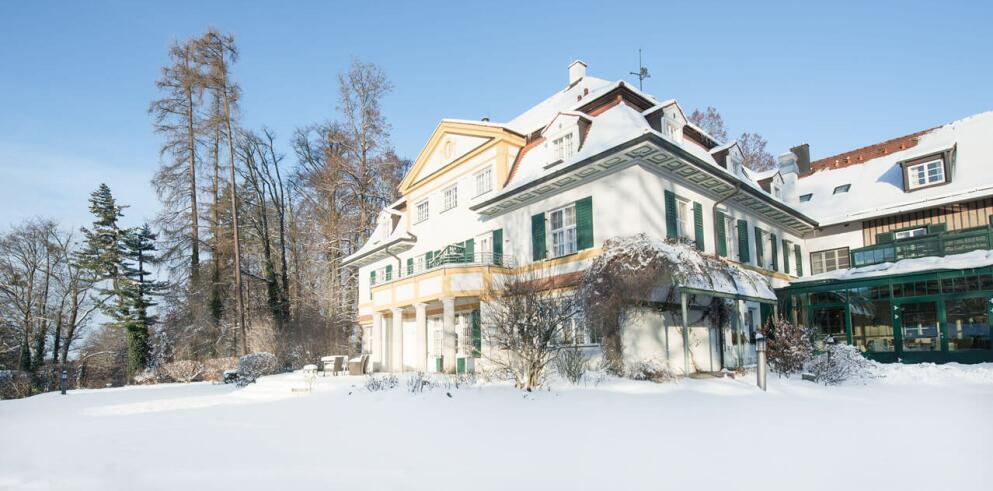 Biohotel Schlossgut Oberambach 25364