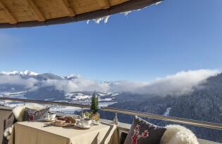 Entspannte Wellnesstage in Olang mit traumhaftem Blick auf die Dolomiten