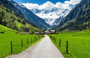 Wellnessvergnügen inmitten der beeindruckenden Bergwelt des Zillertals