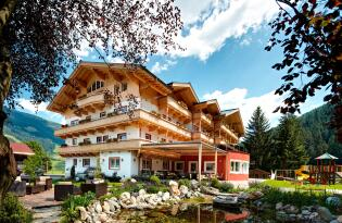 4* Familienhotel Grundlhof in Zell am See
