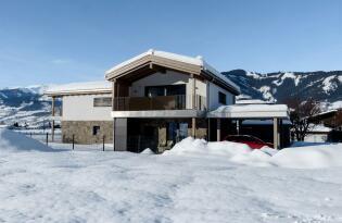 Luxusurlaub im alpin-modernen Stil mit herrlichem Ausblick auf die Alpen