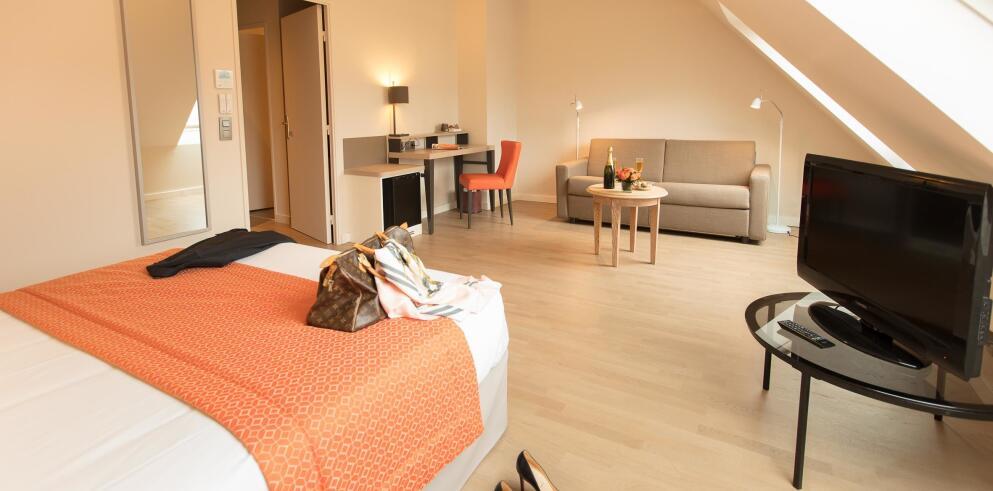 Hotel Montbriand Alixia 30009