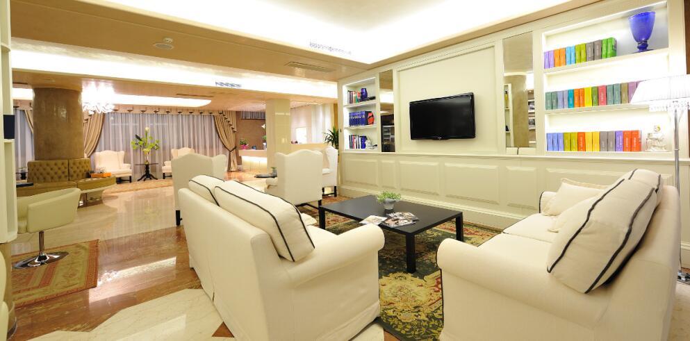 Hotel Roxy Plaza 3030