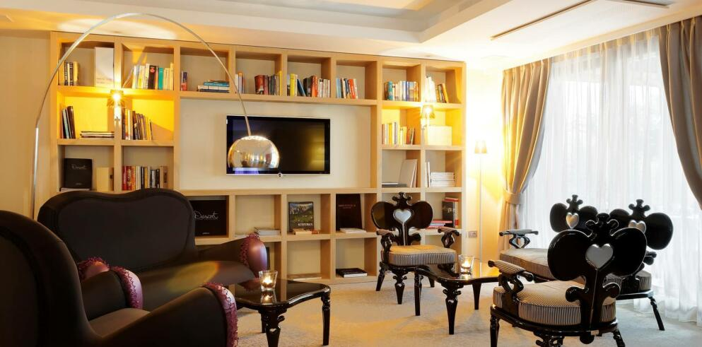 Art & Design Hotel Napura 3050