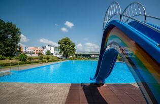 Paradiesische Entspannung auf 4.500m² Wellnesslandschaft in Thüringen