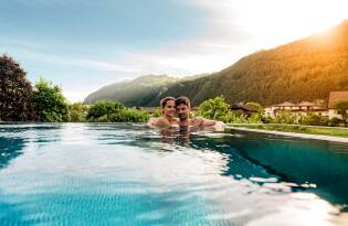 Himmliches Wellnessvergnügen inmitten der imposanten Tiroler Bergwelt