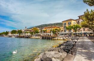Wohlfühlurlaub mit Weinverkostung im neuen Boutiquehotel am Gardasee