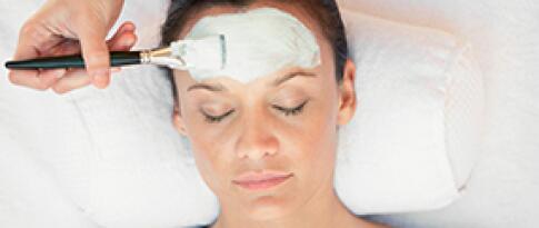 Grote gezichtsbehandeling